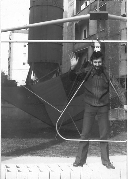 Anatoly Cohn with the 1st standard glider