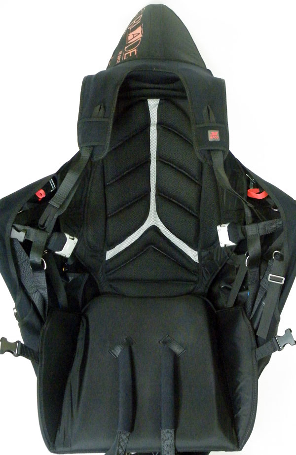 Optimal back support with APCO exclusive load bearing semi-rigid elements integrated into the back of the harness